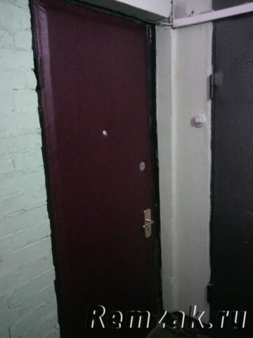 Сколько стоит обшить дверь дермантином